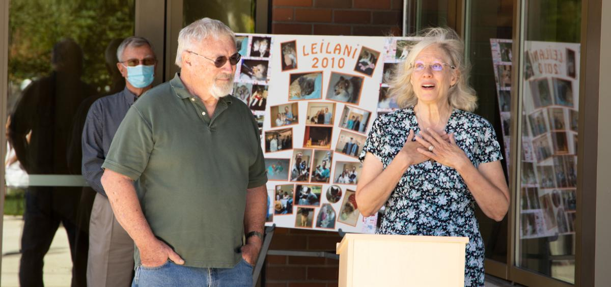 Tom O'Brien and Jeannine Marshall-O'Brien dedicate the Leilani Comfort Room.